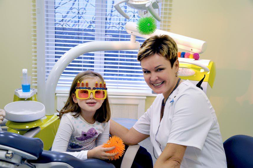Здесь ласково, не грубо, детишкам лечат зубы.